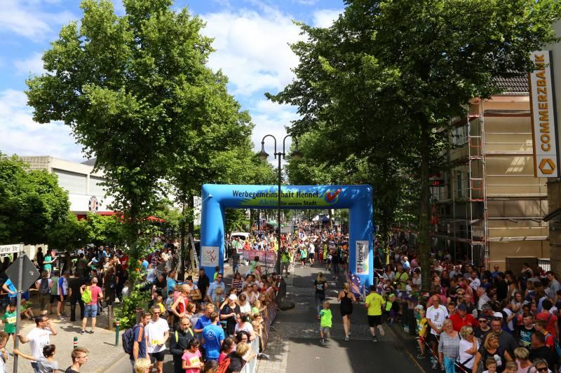 1.950 Starter beim 13. Hennefer Europalauf Quelle: Stadt Hennef