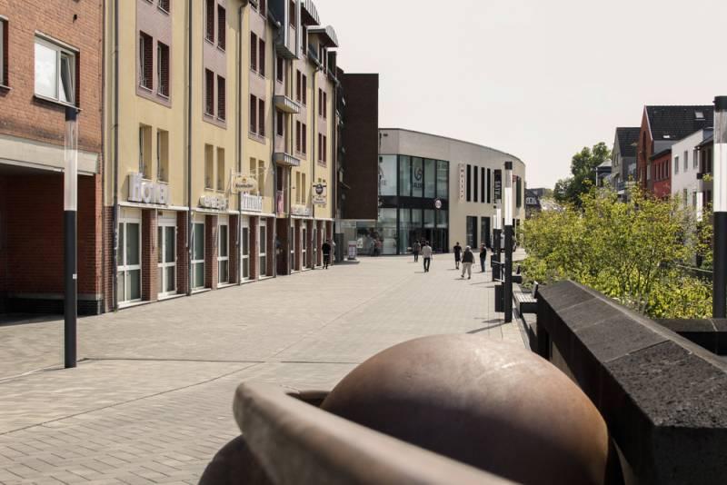 Stadtwerke investieren 2,5 Mio. Euro in neue Wasserleitung für Troisdorfer Innenstadt Quelle: Stadtwerke Troisdorf GmbH