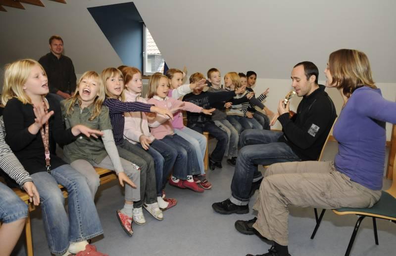 """Kinder angstfrei vor sexuellem Missbrauch schützen! Präventionsprogramm """"Mein Körper gehört mir! in der Region Bonn/Rhein-Sieg"""
