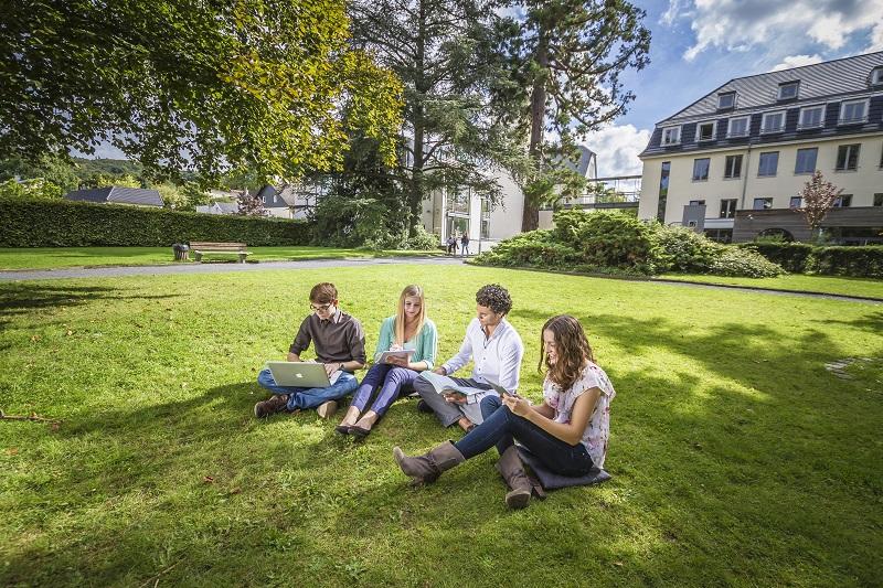 Open Campus Day an der Internationalen Hochschule Bad Honnef · Bonn Studium zum Anfassen an der IUBH in Bad Honnef
