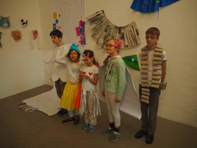 """Junge Kunst – Neue Wege  """"Gemeinsam verwandeln"""" Ausstellung des Kreativprogramms"""