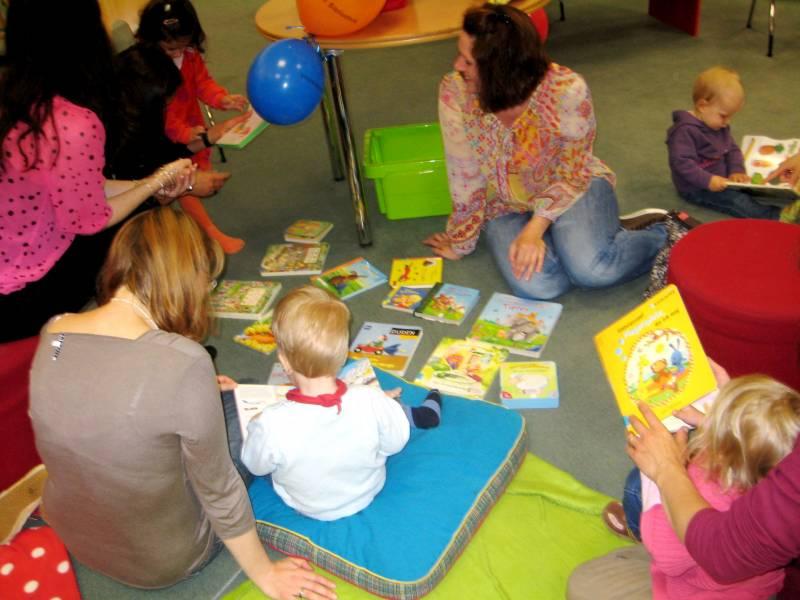 Treffen der kleinen Büchermäuse Vorlesespaß in der Stadtbibliothek
