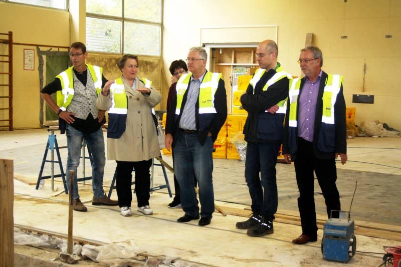 Gerätehalle für den Troidorfer Turnsport Umbau der Turnhalle am Gymnasium Zum Altenforst