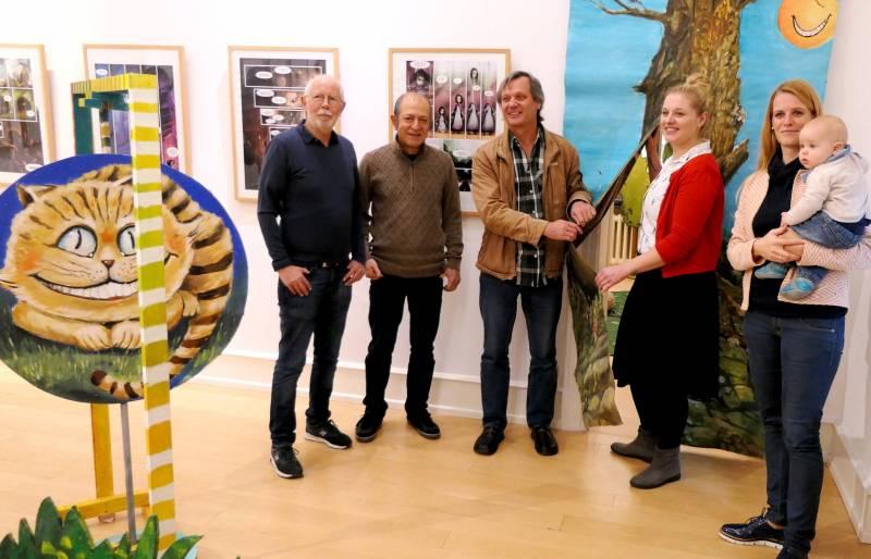Alice im Wunderland auf Burg Wissem Mitmach-Ausstellung im Bilderbuchmuseum