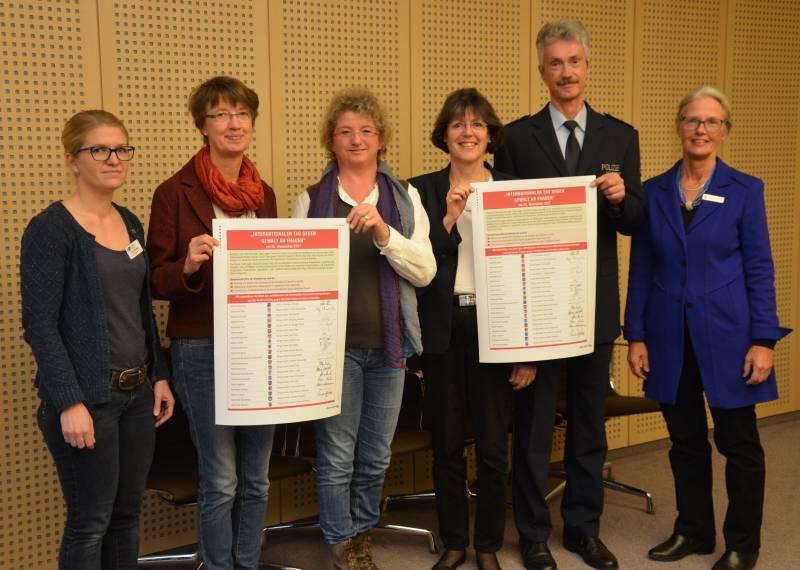 """15 Jahre """"Runder Tisch gegen häusliche Gewalt an Frauen"""" Quelle: Stadt Siegburg"""