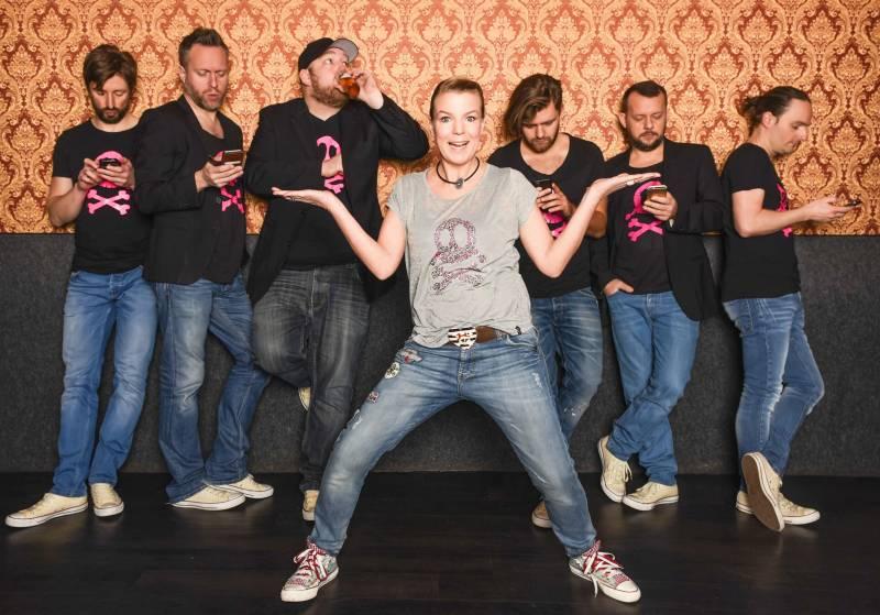 Mirja Boes und Band tun alles für Geld Comedy-Impro in der Stadthalle Troisdorf