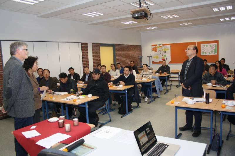 Chinesische Lehrer besuchten Berufskolleg Delegation aus der Partnerstadt Nantong
