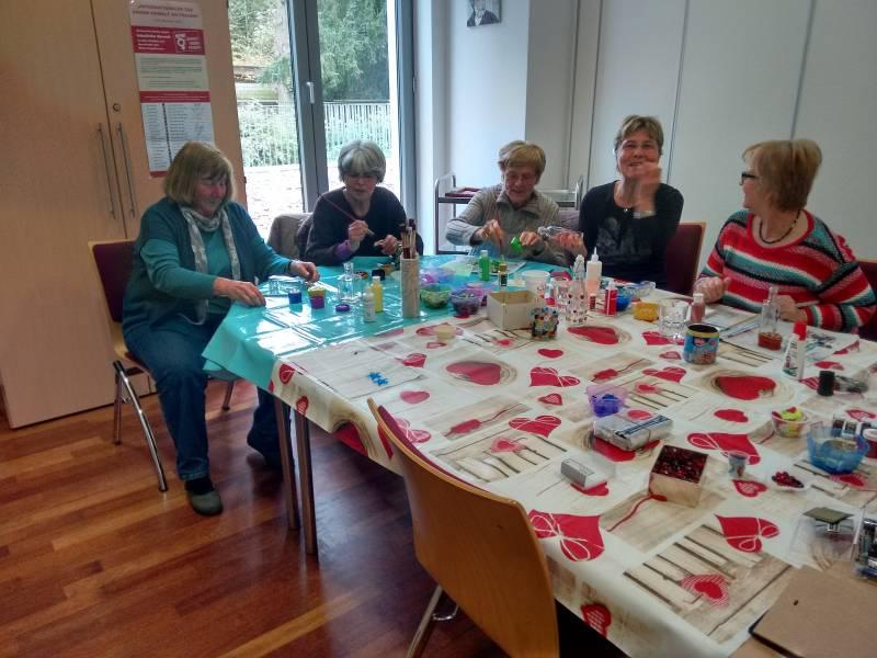 Freie Plätze in der Lohmarer Kreativwerk-statt: Basteln für Weihnachten in der Villa Friedlinde