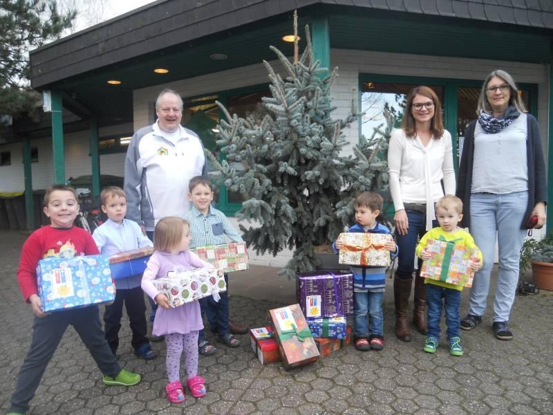 Jabachkindergarten packt Weihnachtspäckchen für Kinder in Rumänien Quelle: Stadt Lohmar