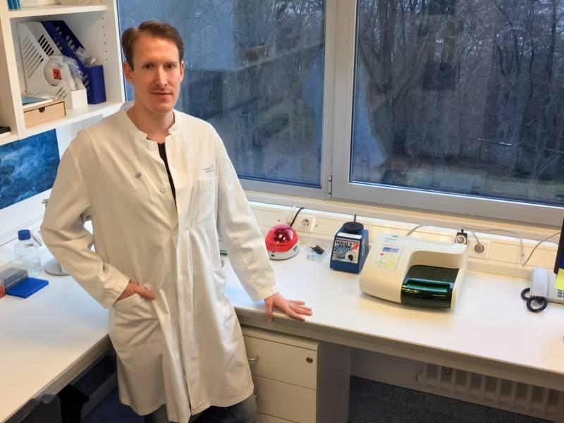Krebsforscher am UKB ausgezeichnet Neue Therapiemöglichkeit gegen Hodenkrebs