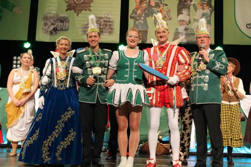 66 Jahre Husaren Grün-Weiss Jubiläumssitzung mit eigenem Prinzenpaar und großem Publikum