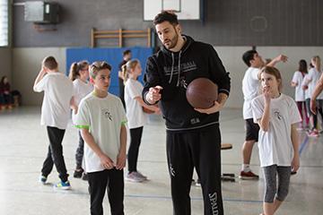 Das war riesig! Bonner Baskets als Sportlehrer