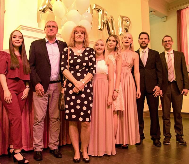 893 Absolventinnen und Absolventen des Berufskollegs feierlich verabschiedet Quelle: Rhein-Sieg-Kreis
