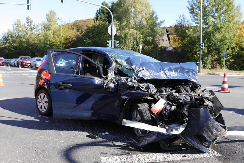 Verkehrsunfall mit 2 Verletzten in Lohmar-Donrath