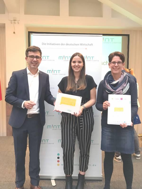 """SGH als """"digitale Schule"""" ausgezeichnet Quelle: Städtisches Gymnasium Hennef"""