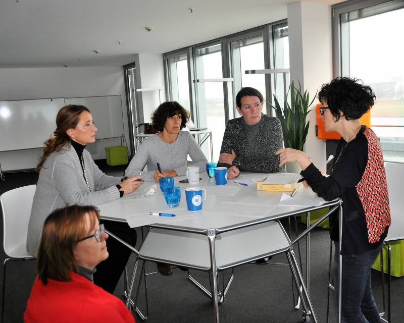 """Wege in die digitalisierte und globalisierte Arbeitswelt – """"Kick-Off""""-Veranstaltung zum Start des Erasmus+ Projekts Quelle: Berufskolleg des Rhein-Sieg-Kreises in Siegburg"""