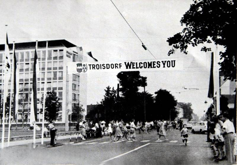 ZiTi informiert: Der historische Präsidentenbesuch in der Troisdorfer Innenstadt Quelle: Stadt Troisdorf