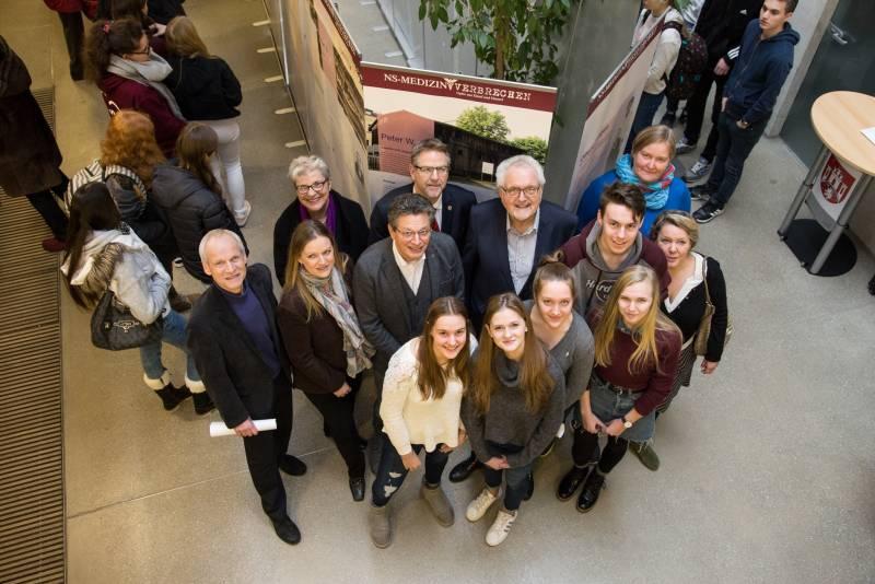 Schülerinnen und Schüler erstellen Ausstellung: Einzelschicksale nationalsozialistischer Verbrechen im Rhein-Sieg-Kreis Quelle: Rhein-Sieg-Kreis