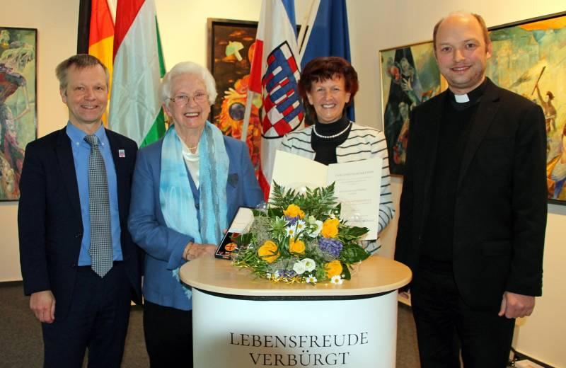 Verdienstmedaille für Waltrud Dittscheidt aus Bad Honnef Quelle: Rhein-Sieg-Kreis