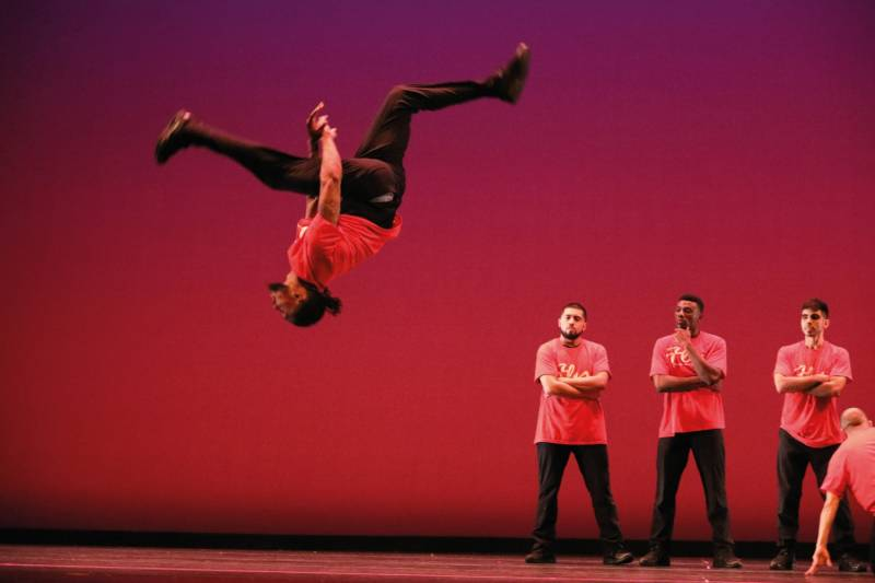 Krasse Moves in der Stadthalle Troisdorf: Fly Dance Company –  the Gentlemen of Hip-Hop Quelle: Stadt Troisdorf