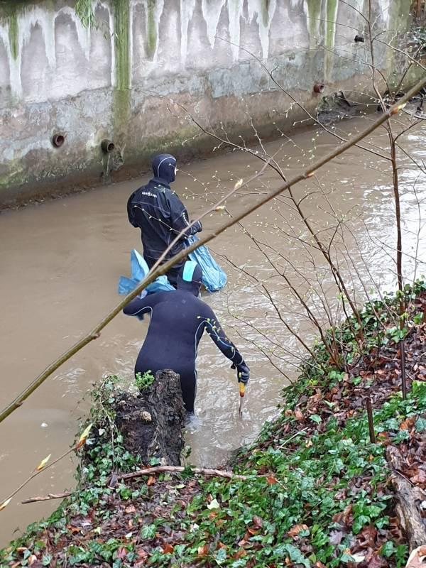 Tauchverein ist aktiv beim Stadtputztag und der Gewässerreinigung Quelle: TSG Augustin