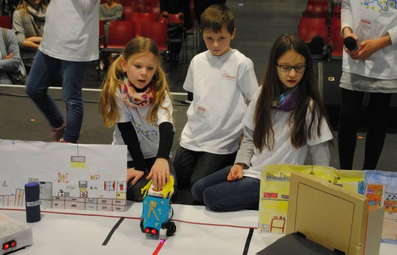 Hennefer Grundschul-Team überzeugt beim zdi-Roboterwettbewerb – Qualifikation für Finalrunde Quelle: Rhein-Sieg-Kreis