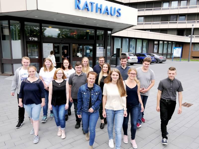 Junge Leute lernen öffentlichen Dienst Quelle: Stadt Troisdorf