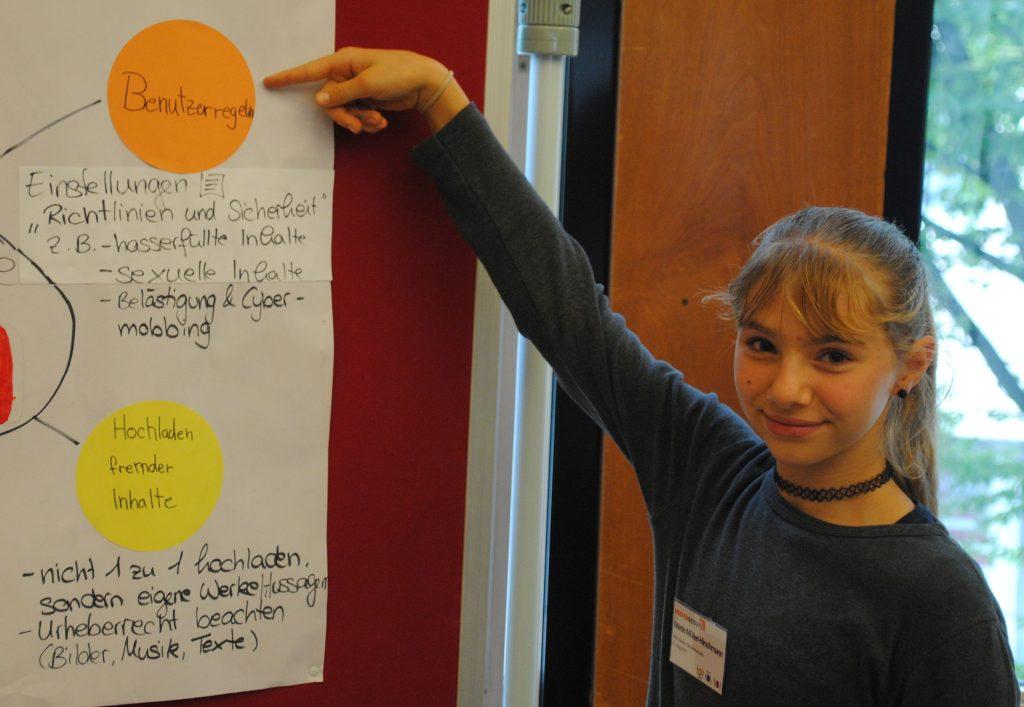 Gefahren im Internet: Medienscouts beraten Schülerinnen und Schüler