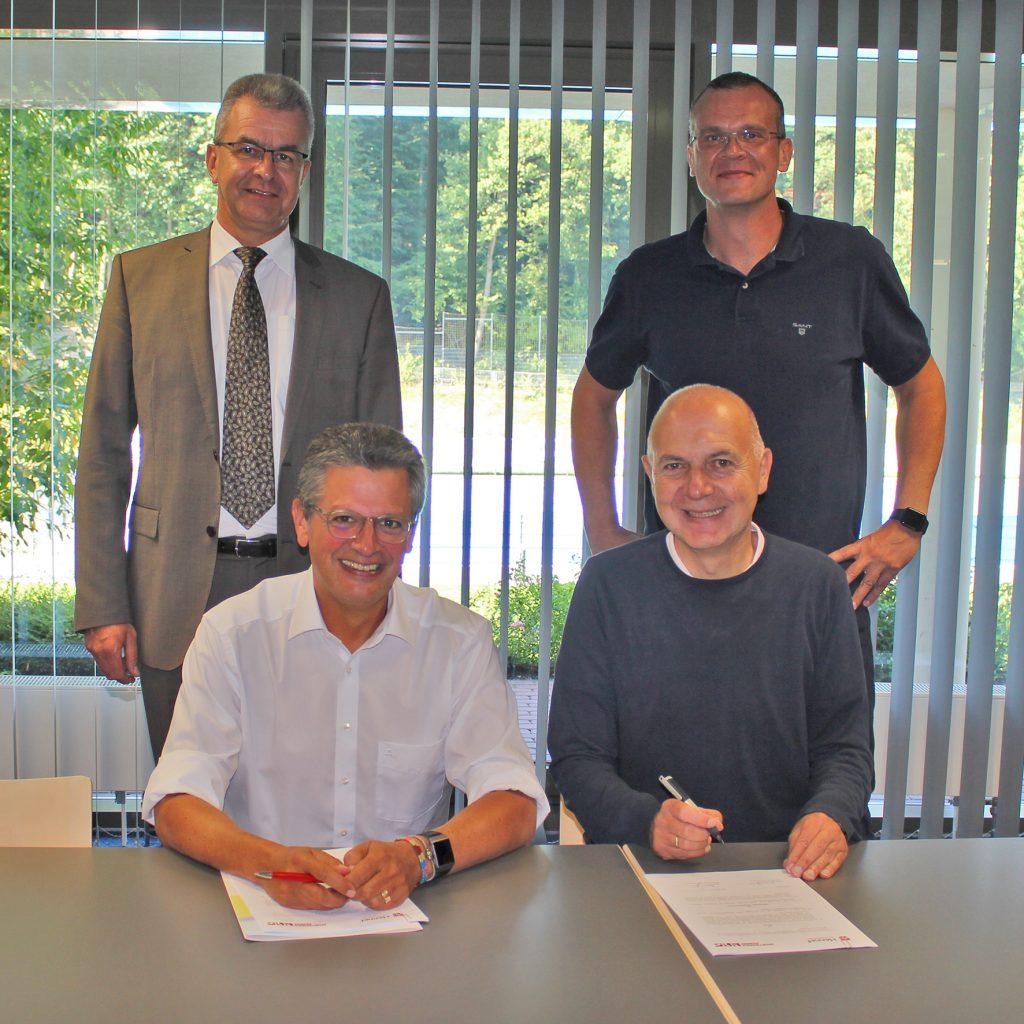 Schwimmen gesichert: Vertrag unterzeichnet
