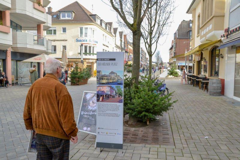 Neun Stelen dokumentieren die Veränderungen in der City