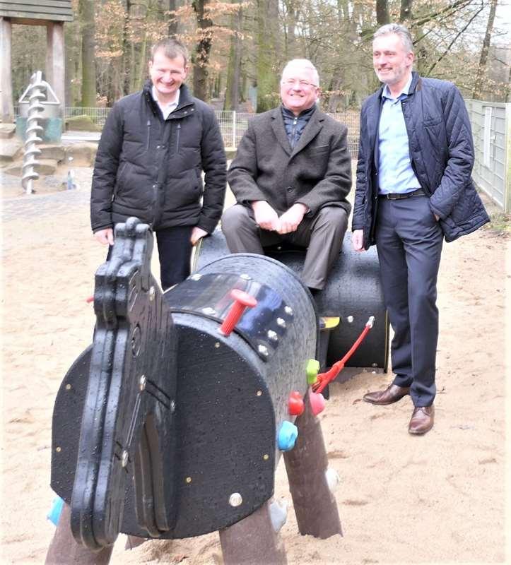 Lions Club Troisdorf spendete für Spielplatz