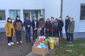 Siegburger Tafel-Spende Schüler im Ehrenamt
