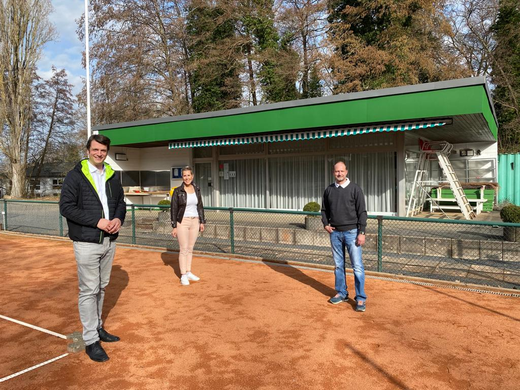 """""""Moderne Sportstätte 2022″ – 105.610 Euro für den Hennefer Tennisclub Grün-Weiss e.V."""