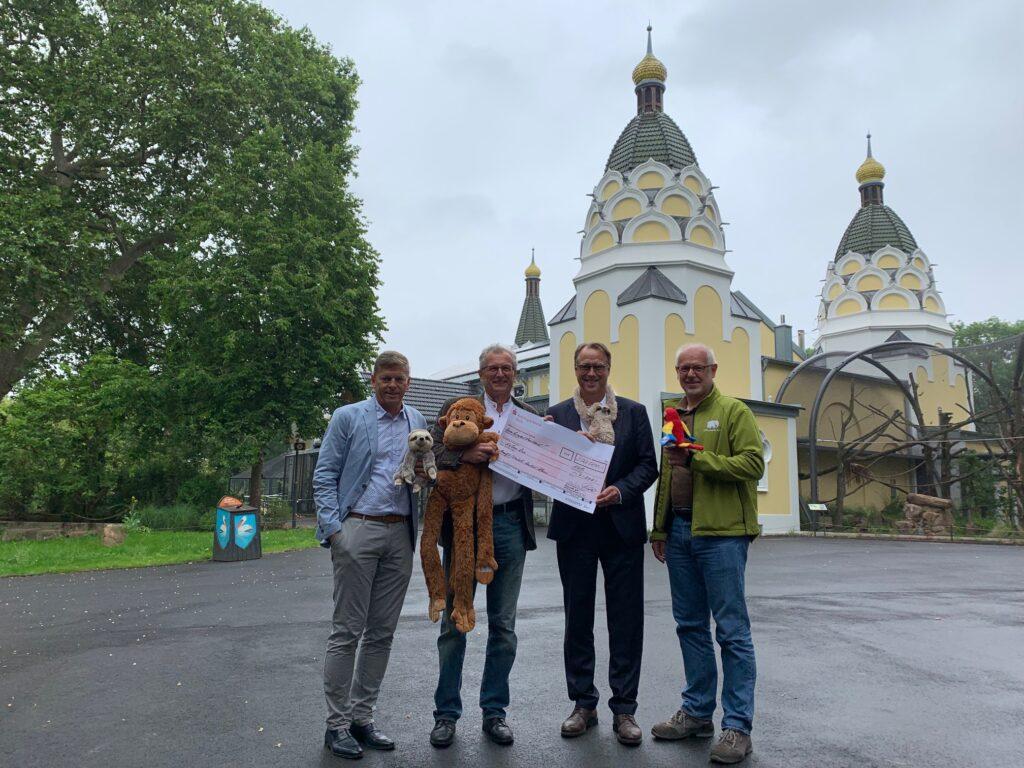 """Förderverein spendet 200.000 Euro für das """"Arnulf-und-Elizabeth-Reichert-Haus"""" im Kölner Zoo"""