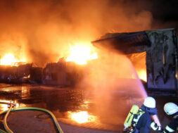 PM 192-2021 Großbrand in Sankt Augustiner Firma
