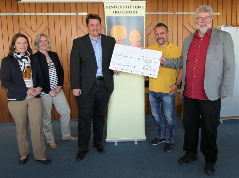 Spende für die KinderStiftung Troisdorf